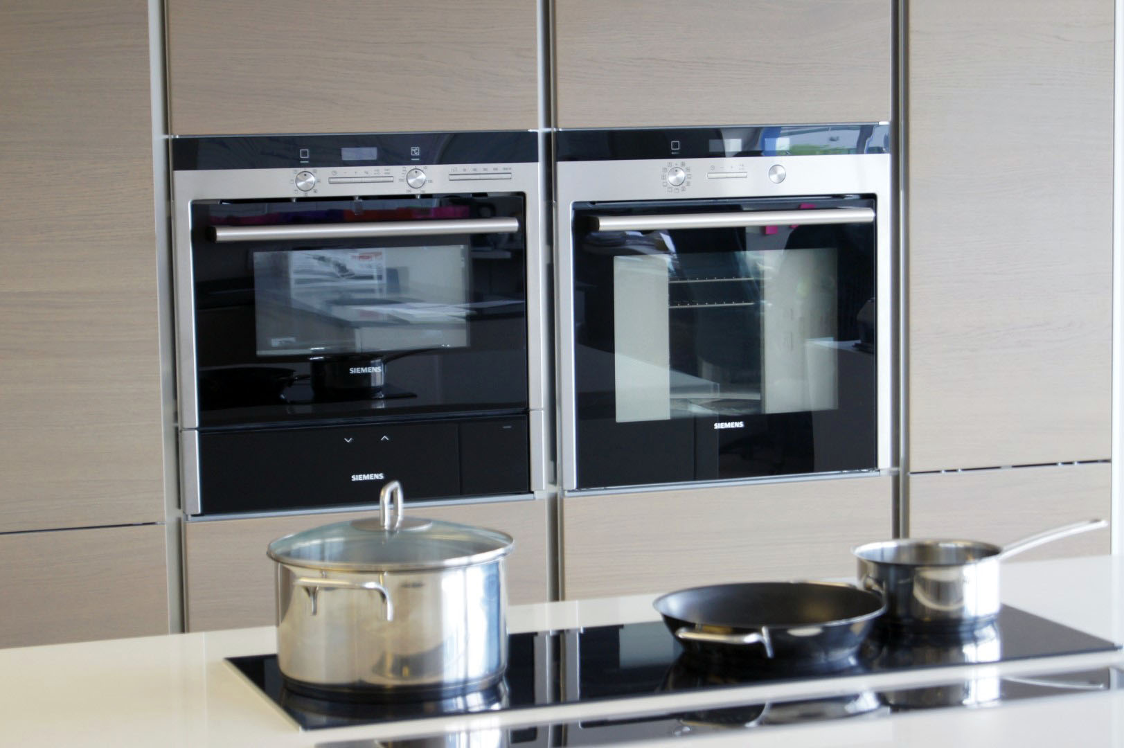 Showrooms blax german kitchens for German kitchen cabinets