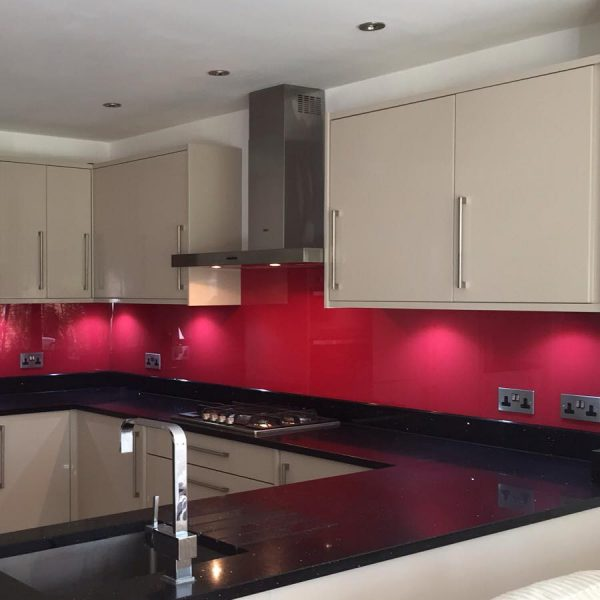 glass splashback example in pink