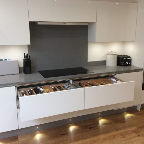 handleless kitchen and utility room
