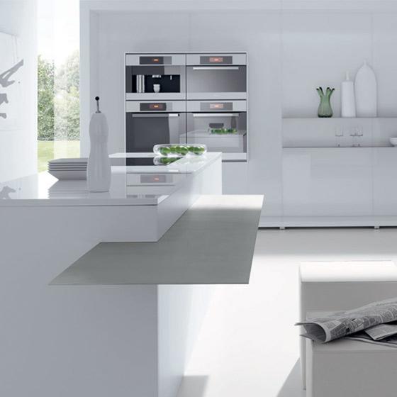 High gloss kitchens white cream black kitchen units for High gloss kitchen units