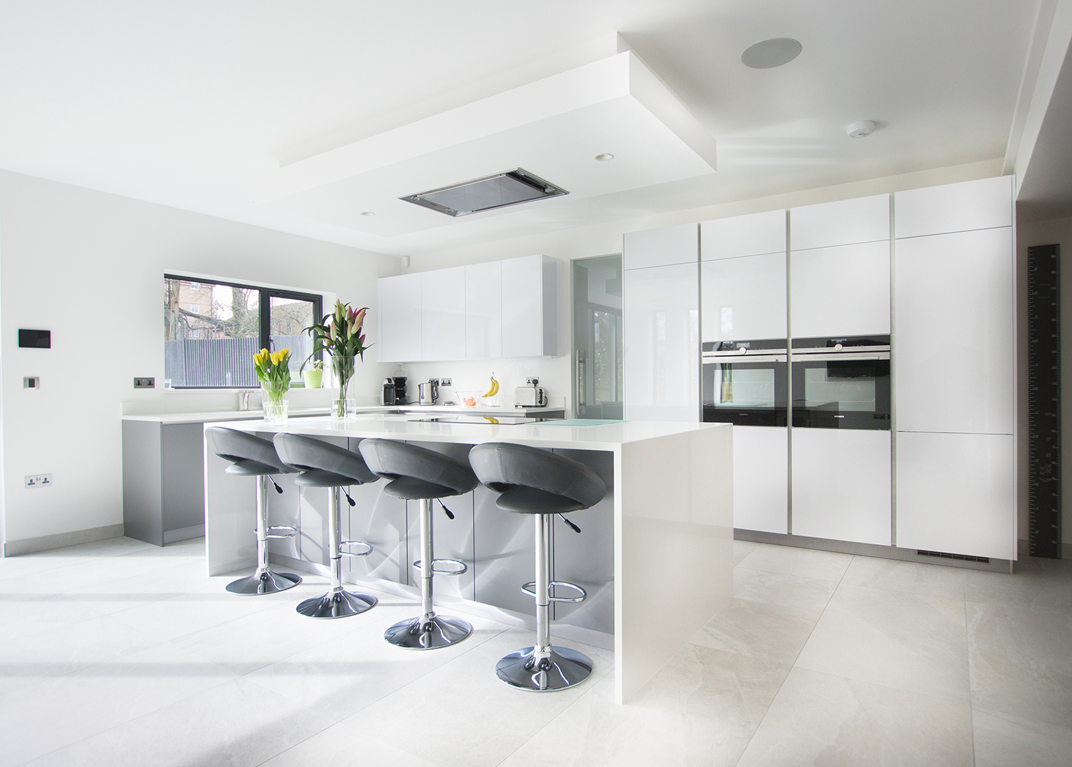High Gloss White & Matt Grey – Hatfield